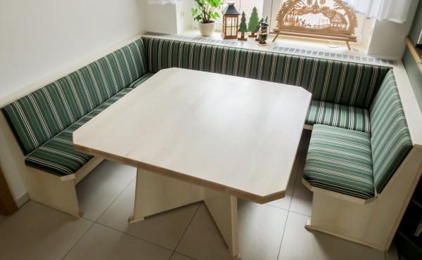 Eckbank Ahorn furniert mit Tisch Ahorn massiv
