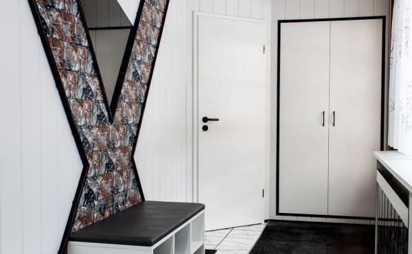 Innenausbau – Wandverkleidung im Flur