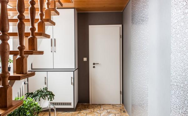Innenausbau – Wandverkleidung, Schrank